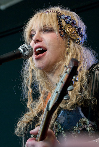 Courtney Love with Hole at SXSW 2010 SPIN Party, photo by Manuel Nauta.