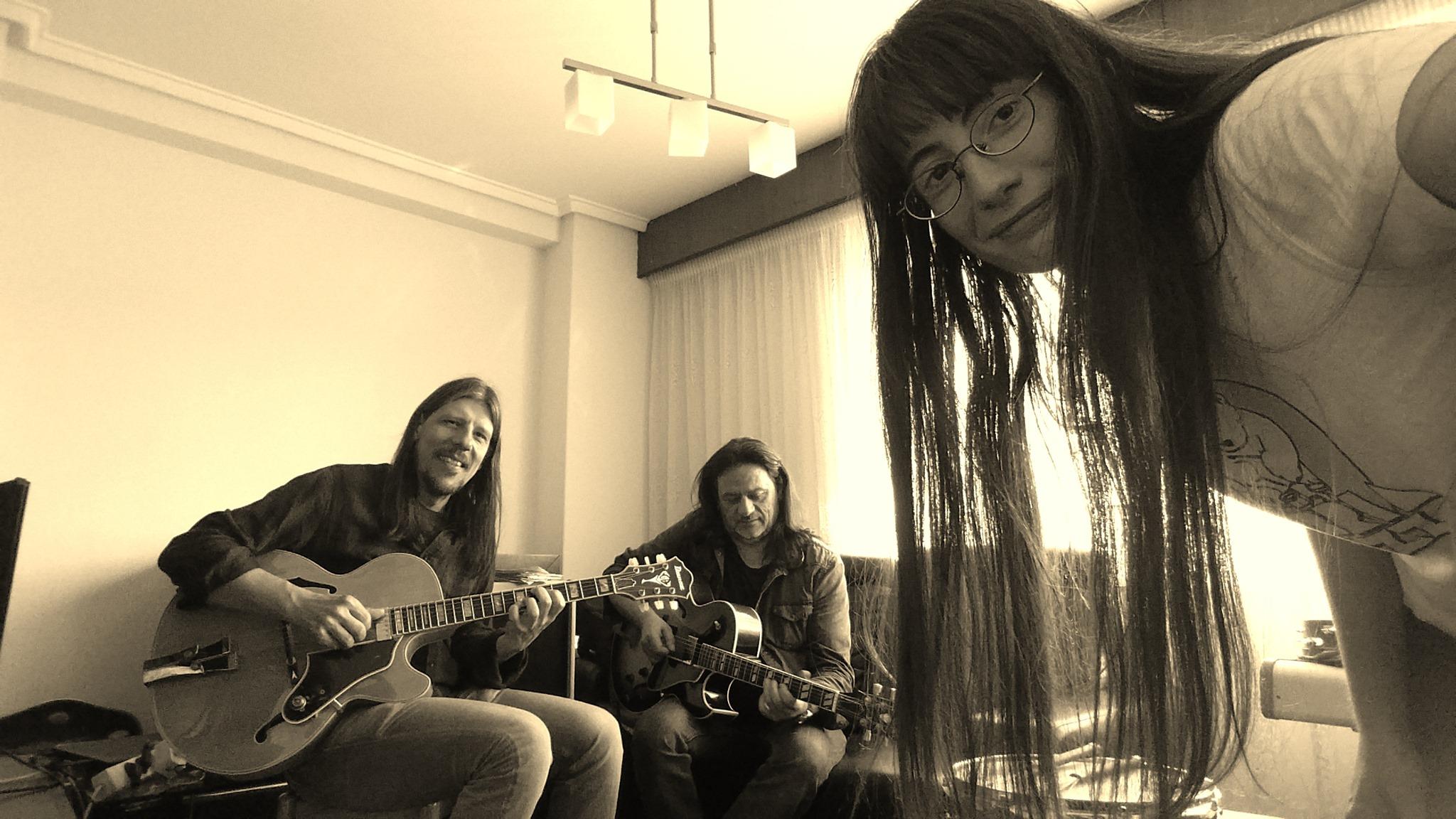 Stardust Trio.